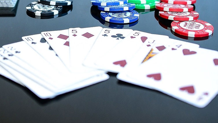 Make Online Poker Better Than the Real Thing