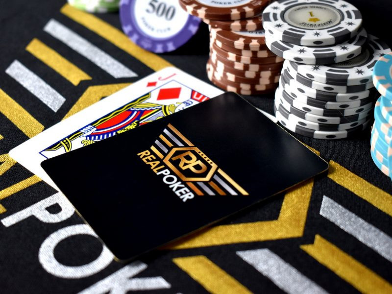 Basic Things You Need to Learn When Playing Online Poker